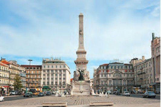 A must-see as well as a shopper's paradise is Baixa