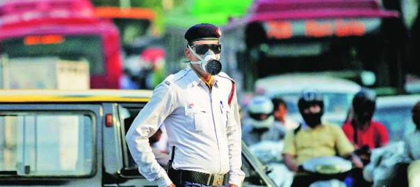 Traffic Police in Delhi. Photo (C) indianexpress.com