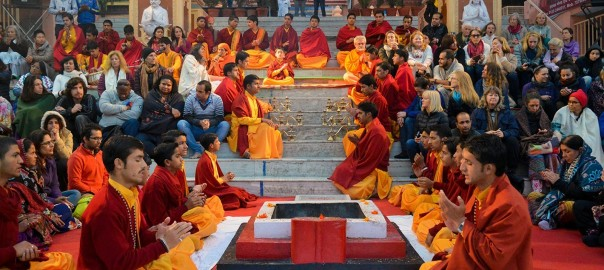 Evening prayers and aarti are glamorous events at Parmath Niketan
