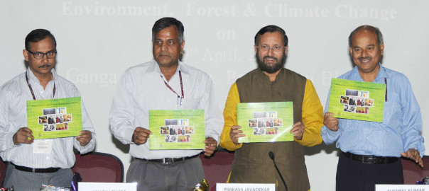 The Minister of State for Environment, Forest and Climate Change (Independent Charge), Shri Prakash Javadekar holding  a press conference on post-Paris agreement, in New Delhi on April 19, 2016. 	The Secretary, Ministry of Environment, Forest and Climate Change, Shri Ashok Lavasa and other dignitaries are also seen.