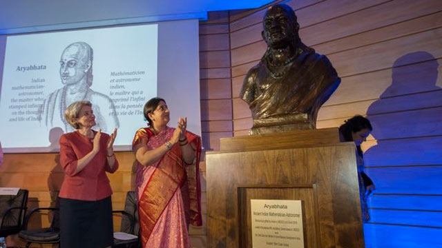 smriti-irani-at-unesco-conferece-on-zero