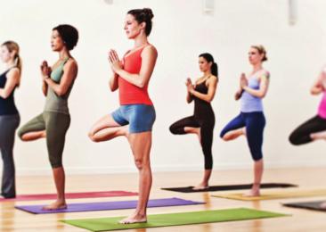 10 exercices de yoga pour, retrouver un ventre plat