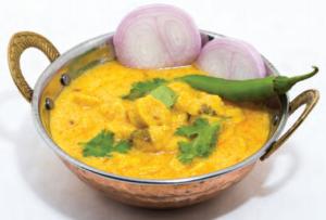Une recette du Rajasthan - Curry de yaourt avec pâtes à la farine de pois chiche
