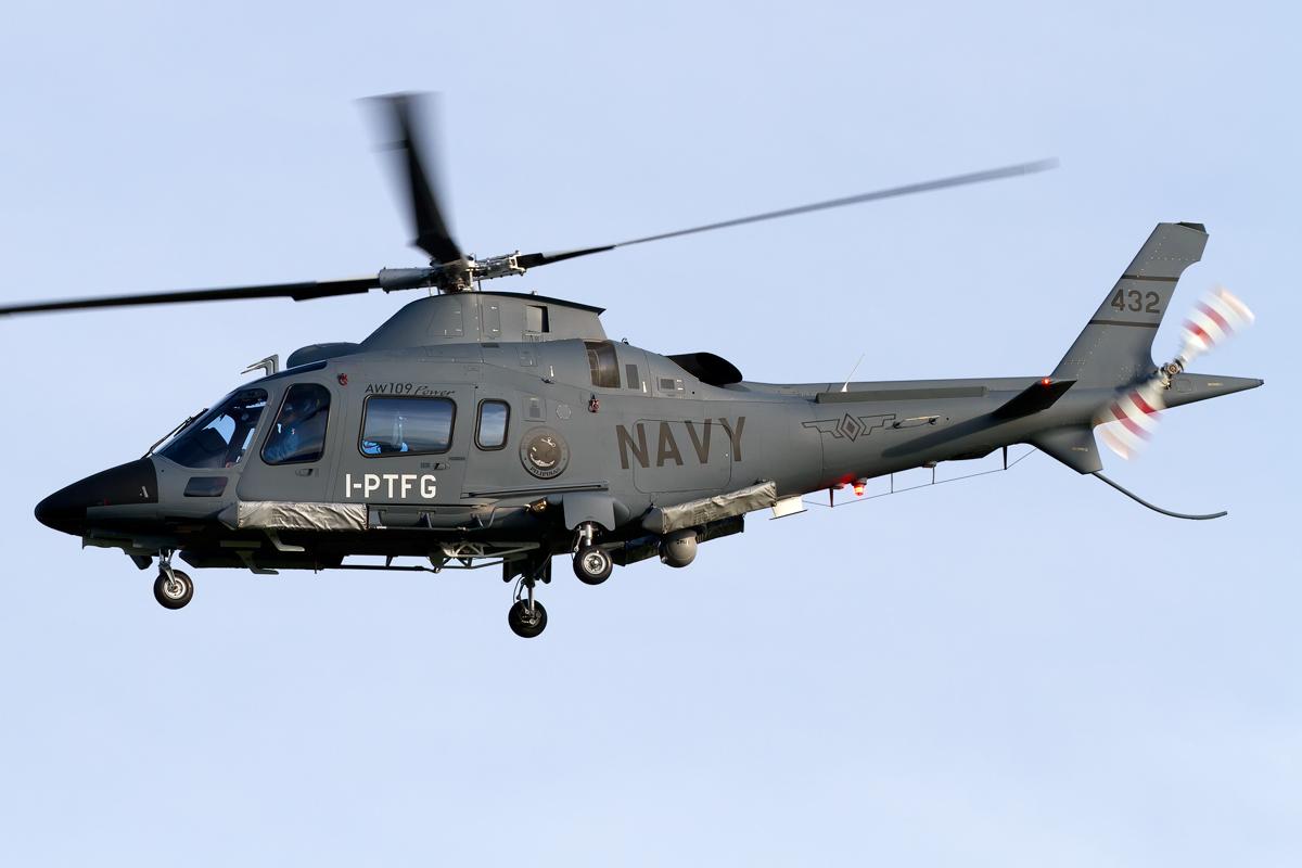 navy_agusta_a-109e_power
