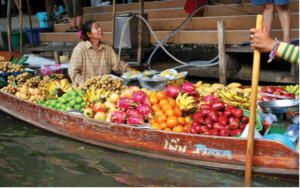 Floating markets offer local fruits and vegetables which serve as fast snacks for vegetarians