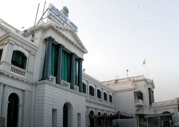 Income Tax Dept raids top Tamil Nadu bureaucrat