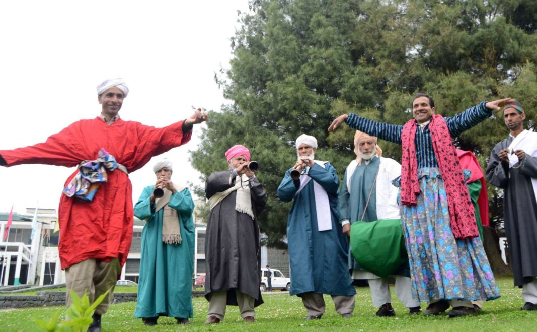 artists-perform-traditional-bhand-pather-at-the-inaugural-event-of-shikara-festival-that-began-in-srinagar-on-1067x659