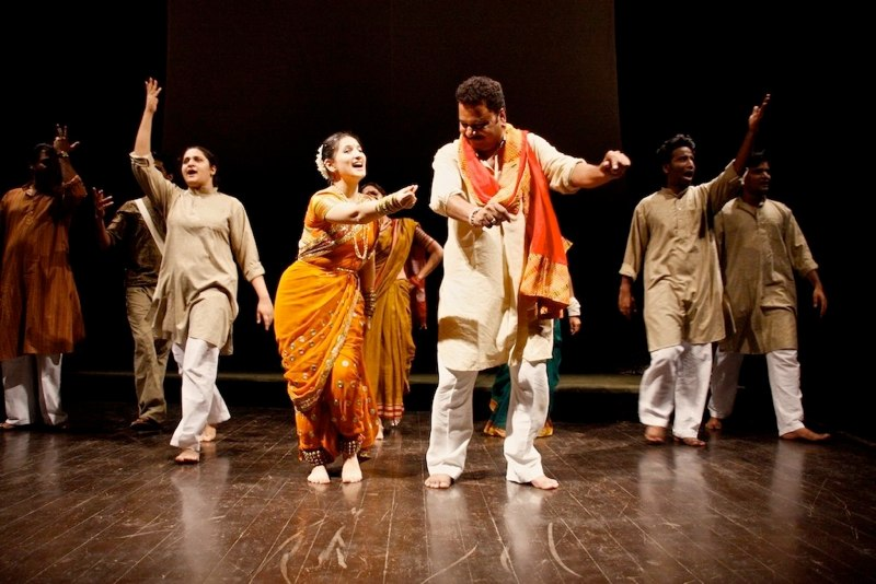 tamasha-folk-theatre-the-dying-folk-art-form-of-maharashtra_f899139df5e1059396431415e770c6dd