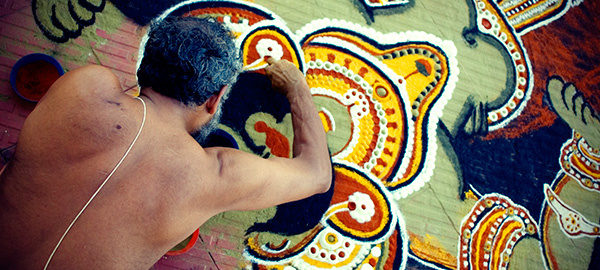 ayyappan-theeyattu-kalamezhuthu-1