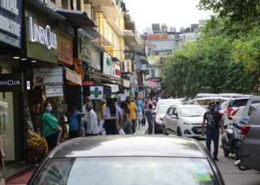 Khan Market's shopkeepers & shoppers remain cautious