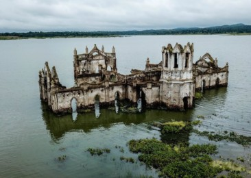 10 mysterious places to visit in India