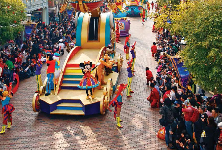 HONEYMOON India Outbound 60 January -February 2015 Disneyland Amusement Park not only offers rides, but showcases fun-filled live shows and parades