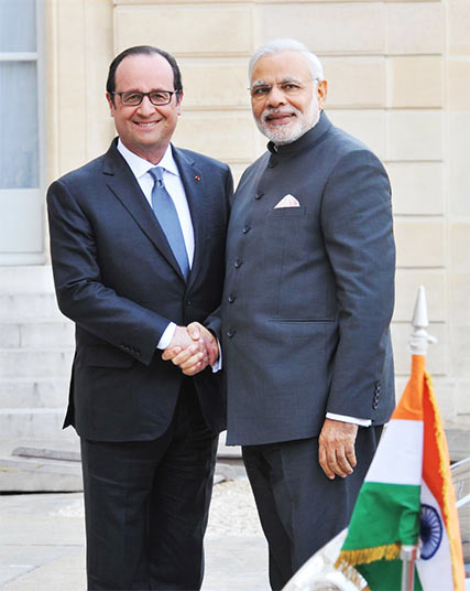 Indian Prime Minister Modi with French President François Hollande at the Elysee Palace in April 2015, in Paris