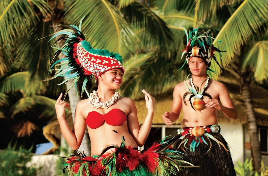 Tahitian dancers in colourful costumes