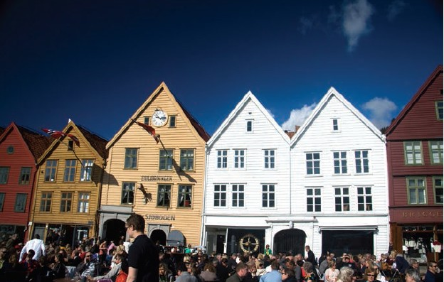 Like most other European cities, residents and tourists alike throng the open air bars and restaurants