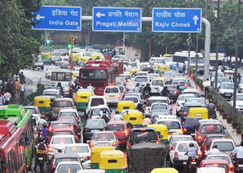 Stolen traffic lights batteries lead to increased accidents and jams in New Delhi