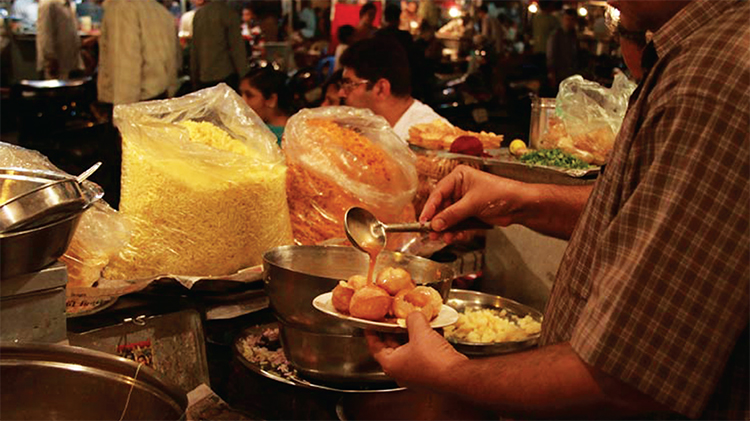 Pani puri, an all time favorite street food for people, is also widely popular in Ahmedabad
