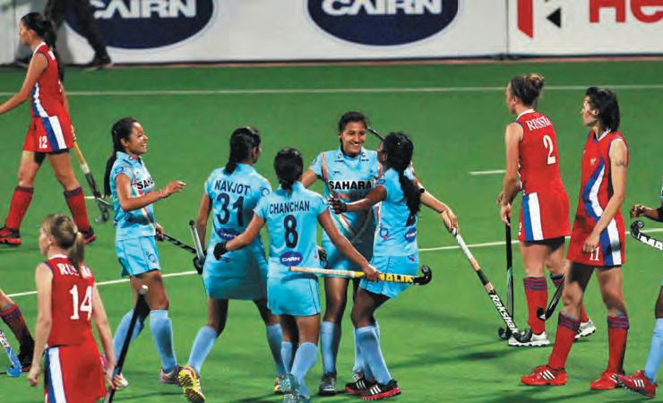 joueuses de hockey indiennes après leur victoire contre la Russie