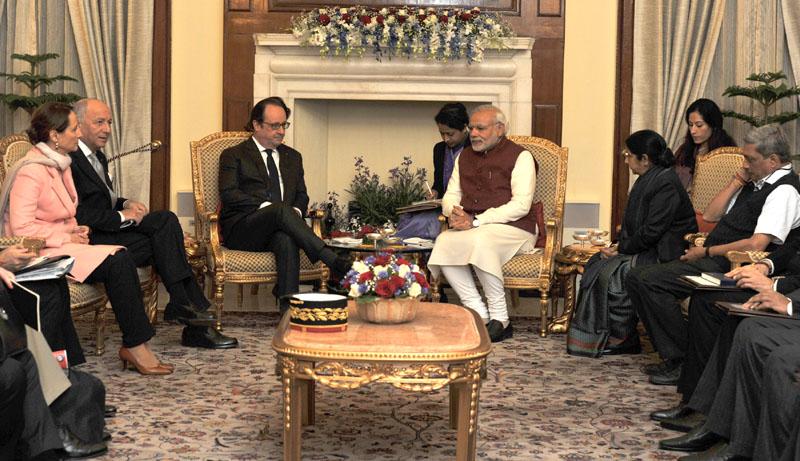 The Prime Minister, Shri Narendra Modi with the President of France, Mr. Francois Hollande, at Hyderabad House, in Delhi on January 25, 2016.