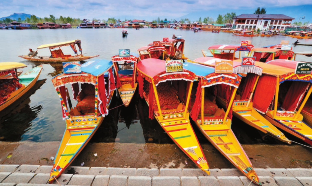 Dal Lake, which was also hit by the floods in 2014, is one of the star destinations in Jammu and Kashmir