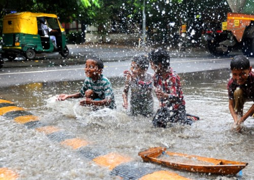 India welcomes monsoon 2016
