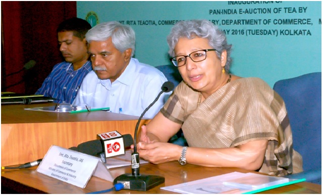 Smt. Rita Teaotia, Secretary, Department of Commerce, Government of India, addresses the audience during the inauguration of the Pan India E-Auction System for Tea on 10th May 2016 in Kolkata