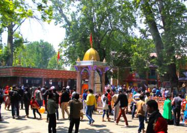 Kashmiri Hindus Celebrate Kheer Bhawani Festival