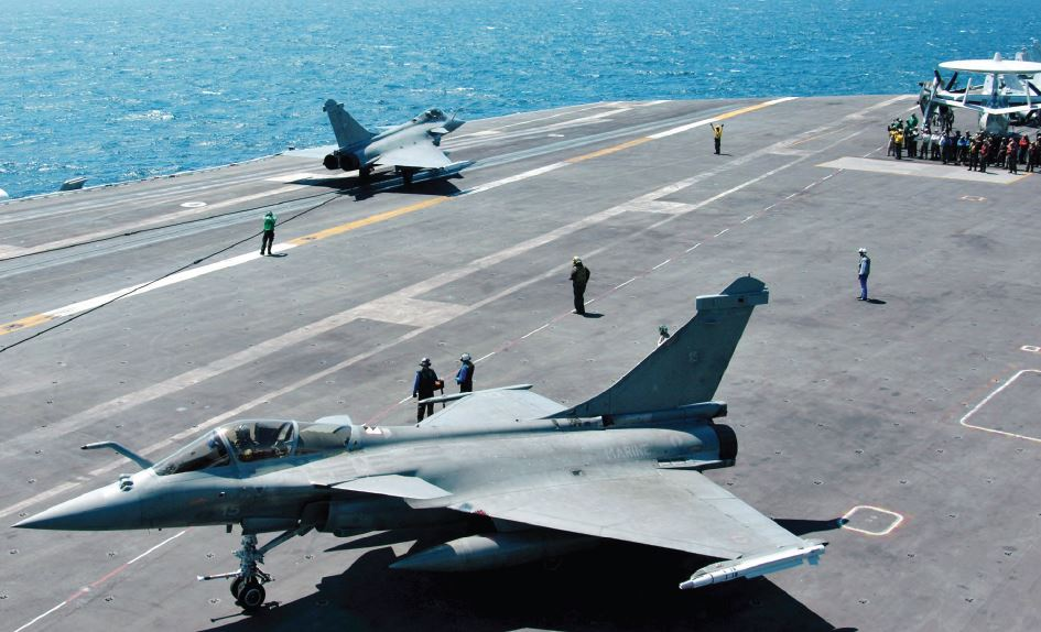 Narendra Modi had announced in April 2015, during a Paris visit, the intention to buy Dassault's 36 Rafale in ready flight conditions