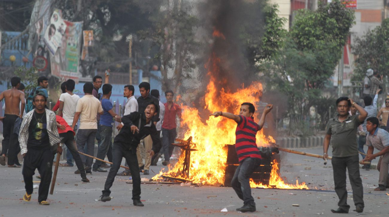 Bangladeshi extremists have set off a massive agitation against the Hindu community in Bangladesh, which can soon result in a fresh wave of Indians moving out of Bangladesh.