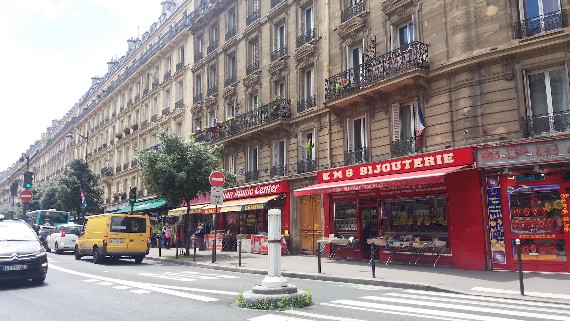 Quartier indien près du métro La Chapelle et la Gare du Nord
