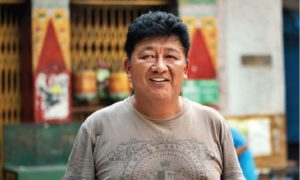 Karten Tsering, président de l'Association des résidents de la colonie tibétaine de New Aruna Nagar, à New Delhi