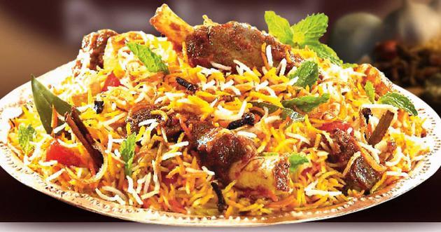Un briyani au poulet (riz parfumé aux épices)