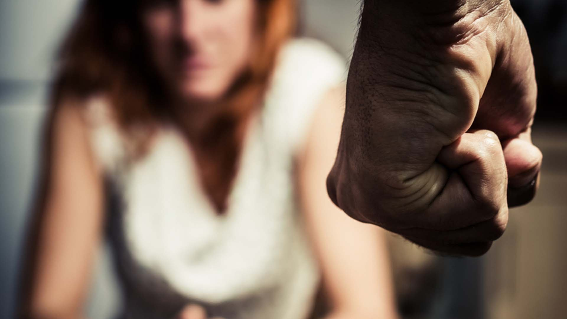 domestic violence intervention with women in The domestic violence intervention program (dvip) reports that the fbi estimates violence will occur during the course of two-thirds of all marriages white, black and hispanic women all incur about the same rates of violence committed by an intimate partner, according to the dvip.