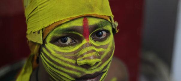 Un regard porté par des traditions ancestrales, bercées par la nature et ses divinités
