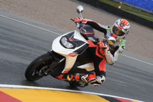 Aprilia adds a new member to its Sports family; unprecedented in the Indian two-wheeler segment