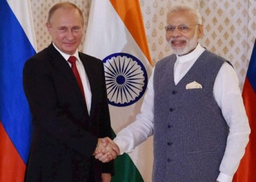 India and Russia strike deal for air defence system