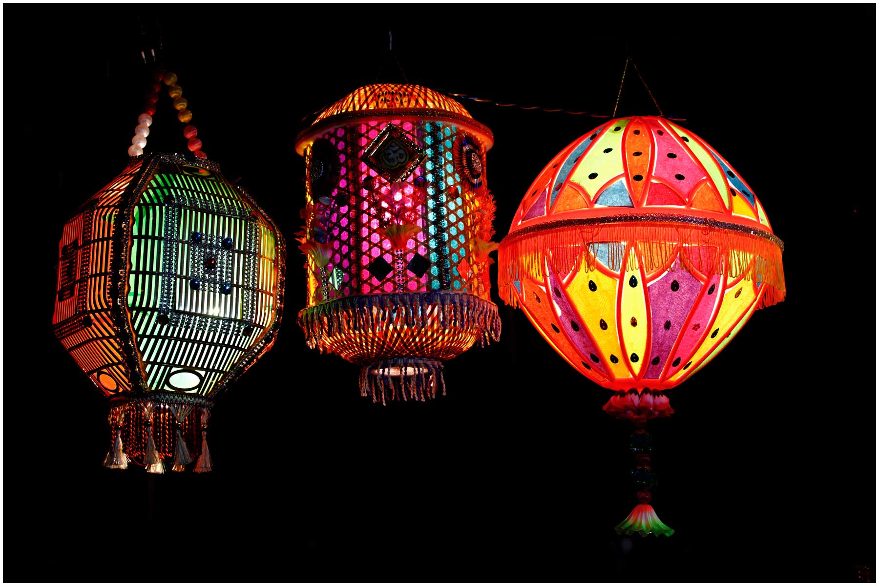 People are resorting to traditional laterns instead of Chinese lights this festive season