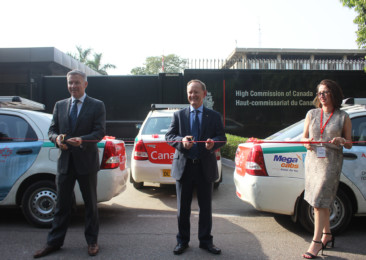 Destination Canada and Air Canada brands taxis and buses in New Delhi