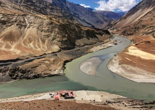 Pakistan asks World Bank to continue arbitration on Indus Waters Treaty
