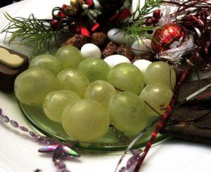 12_grapes-640x523