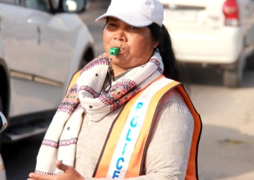 'Traffic Heroine' of Ghaziabad diagnosed with cancer