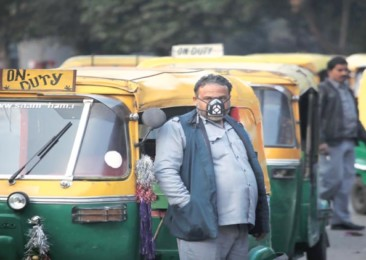Swedish company makes pollution masks for India