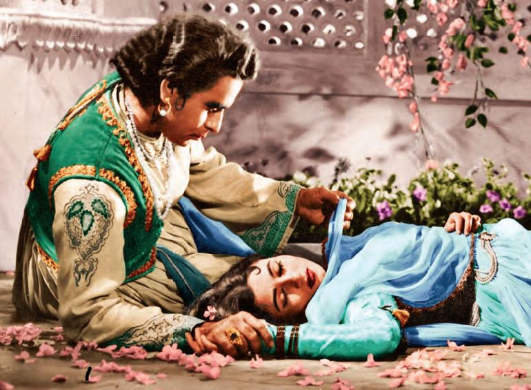 Dilip Kumar et Madhubala dans « Mughal-E-Azam » (1960).