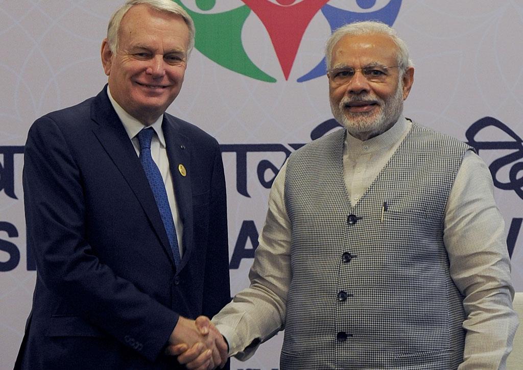 Jean-Marc Ayrault et Narendra Modi