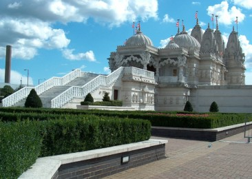 Five elaborately constructed Hindu temples around the world
