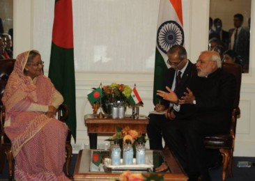 Sheikh Hasina in India for crucial Teesta pact