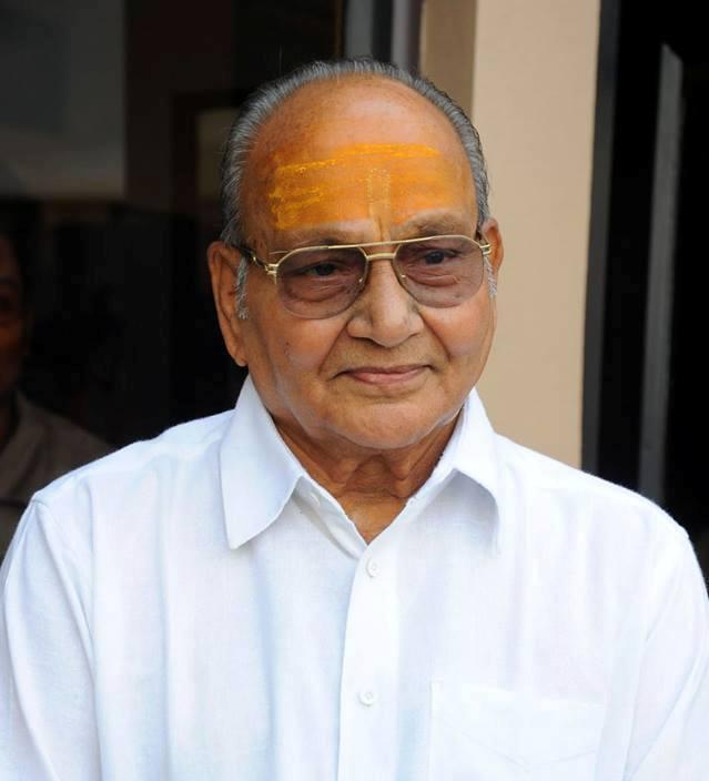 Filmmaker Kasinadhuni Viswanath honoured with the 48th Dadasaheb Phalke award