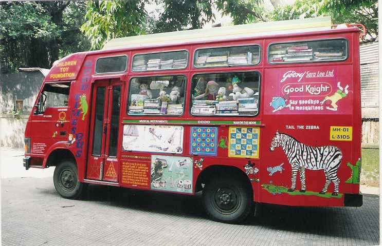 The van is equipped with books, puzzles, maps, educational games and posters apart from other fun teaching resources