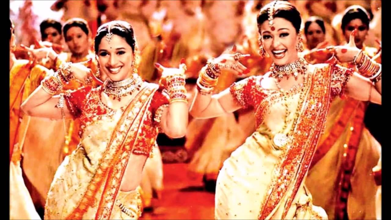 Madhuri Dixit Nene and Aishwarya Rai Bachchan in a still from Devdas