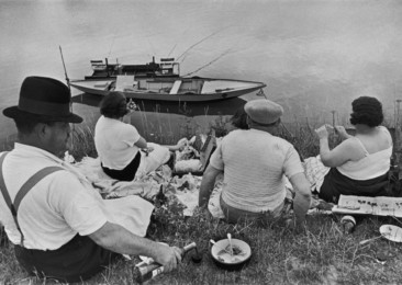 Henry Cartier-Bresson: Life in a Photo